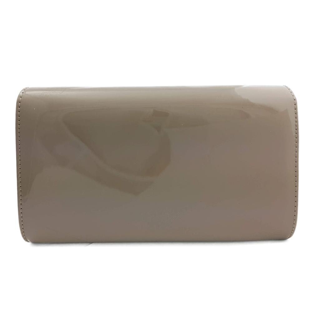 8227e600f10f0 Szaro beżowa lakierowana torebka kopertówka wieczorowa khaki