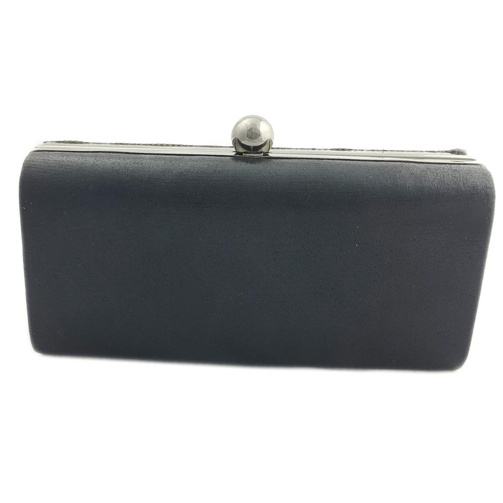 f684e7263e982 Srebrno czarna torebka wizytowa puzderko glamour